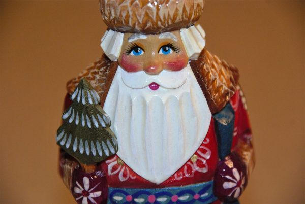 Smiling, red-cheeked St. Nicholas Christmas Figurine